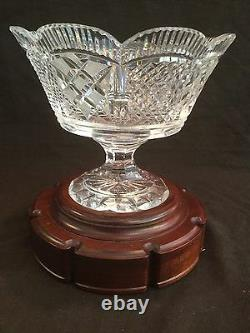 MINT WithSTAND WATERFORD CRYSTAL SCALLOP EDGE MASTER CUT FOOTED CENTERPIECE BOWL